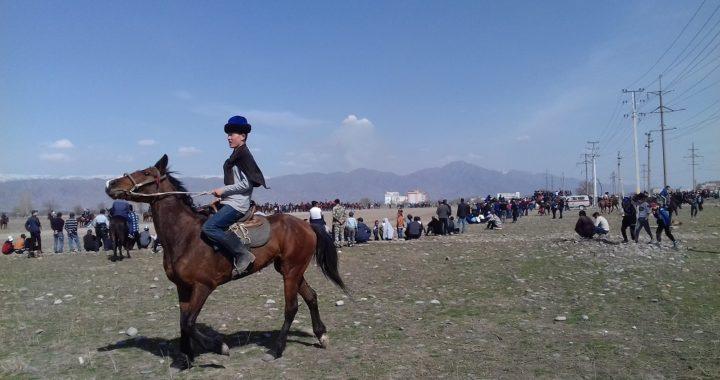 I popoli nomadi hanno i loro giochi: in Kirghizistan la sfida al 'polo delle steppe'