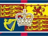La Scozia è sempre Gran Bretagna e il leone rosso lo testimonia. E sotto la Corona ci sono i tre leoni inglesi e l'arpa, che è simbolo anche del Galles, oltre che irlandese.